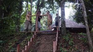 10bis- l'escalier prend forme